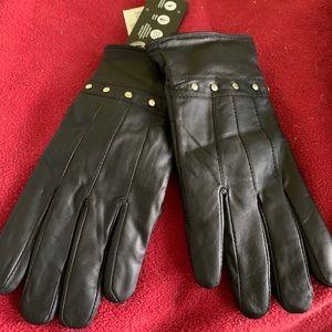 WARMING TREND Studded Black Leather Gloves